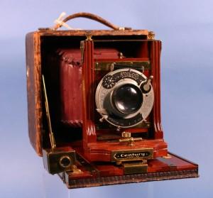 1989.135.0003 Koilos, Century Model 46 camera
